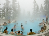 Hot springs while snowing