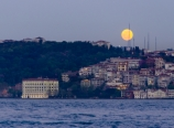 Moonrise over Asian Istanbul