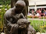 Good Samaritan statue
