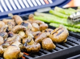 Mushrooms and asparagus on the grill