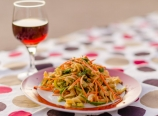 Thai pasta salad with black plum juice