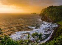Sunrise in Pololu Valley